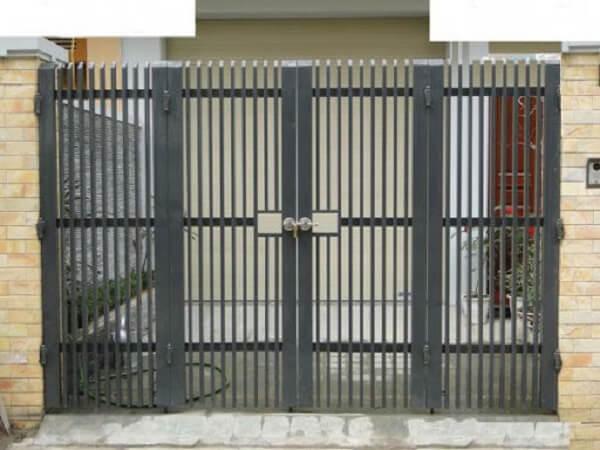 Mẫu cổng sắt 4 cánh cho nhà cấp 4 ở nông thôn