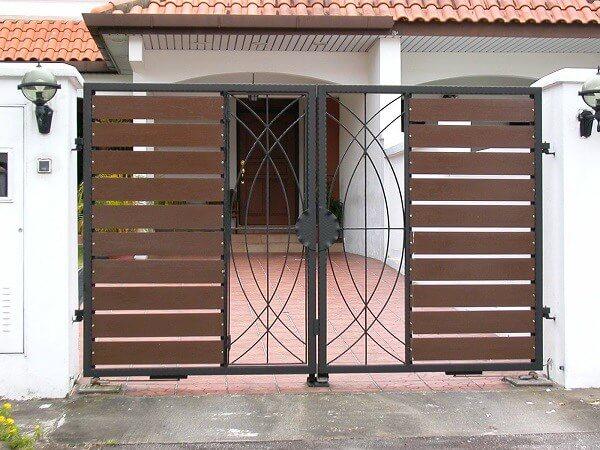Cổng ốp gỗ hiện đại cho nhà cấp 4