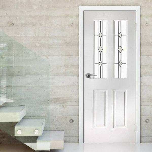 Mẫu cửa nhôm xingfa 1 cánh họa tiết trên nền trắng trang nhã phù hợp với nhiều không gian