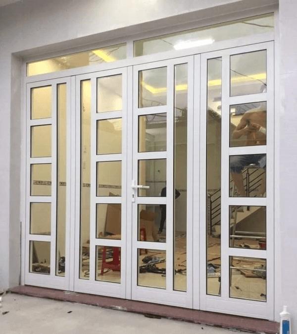 Mẫu cửa nhôm Xingfa 4 cánh màu trắng, khung cửa thiết kế nhiều ô vuông