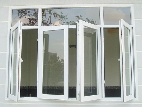 Mẫu cửa nhôm kính 4 cánh mở quay màu trắng sang trọng phù hợp với các nội thất cùng màu