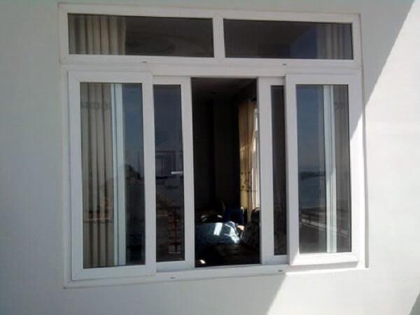 Cửa sổ mở quay nhôm kính 4 cánh mang hơi hướng cổ điển