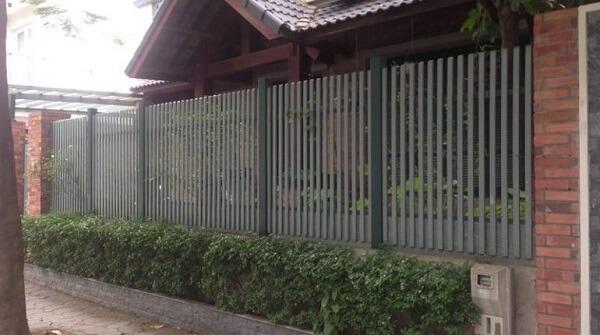 Mẫu hàng rào sắt thông thoáng
