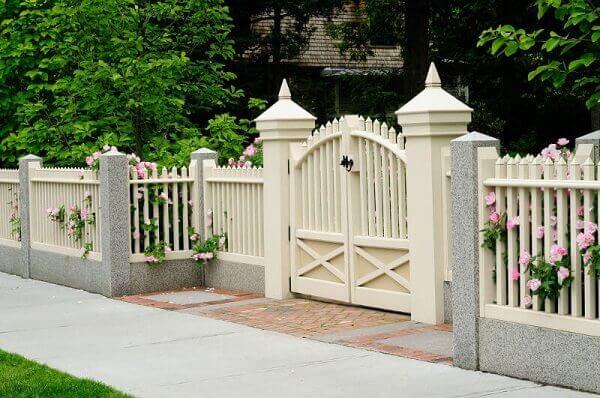 Mẫu hàng rào màu trắng lãng mạn ở nông thôn