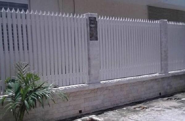 Hàng rào sắt kín đáo, an toàn