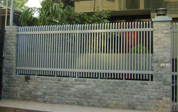 Mẫu hàng rào sắt chắc chắn, hiện đại