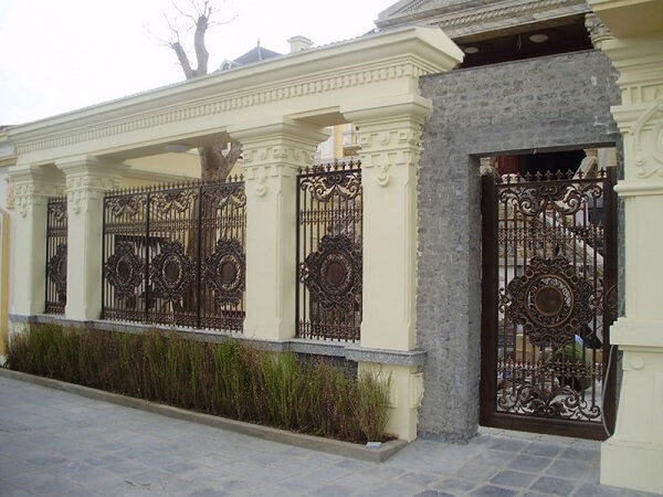 Mẫu tường rào có họa tiết tỉ mỉ cầu kì