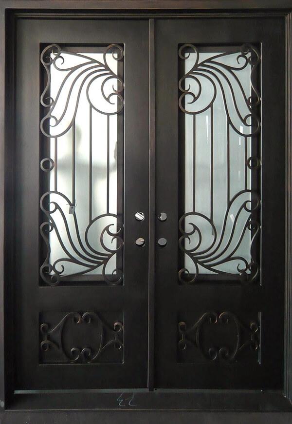Mẫu khung sắt bảo vệ cửa đi mỹ thuật cổ điển, đơn giản