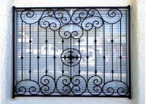 Khung sắt bảo vệ mỹ thuật cửa sổ màu đen cổ điển, cao cấp