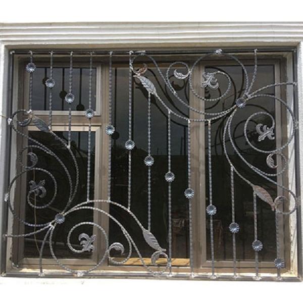 Mẫu khung sắt mỹ thuật bảo vệ cửa sổ họa tiết cổ điển