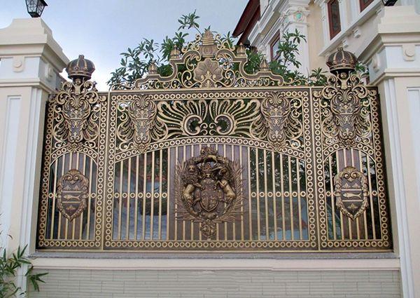 Mẫu hàng rào nhôm đúc có họa tiết cầu kì độc đáo