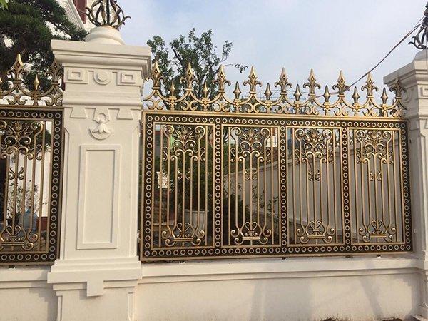 Mẫu hàng rào nhôm an toàn, cổ điển