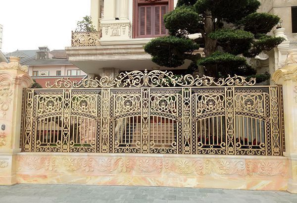 Hàng rào nhôm tráng lệ cao cấp hiện đại