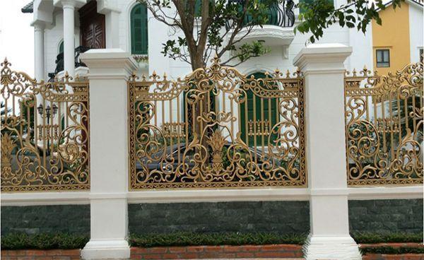 Hàng rào nhôm đúc có họa tiết cổ điển, đẹp mắt