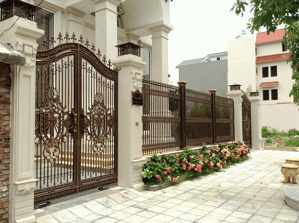 Hàng rào nhôm đúc màu đồng đơn giản, chắc chắn