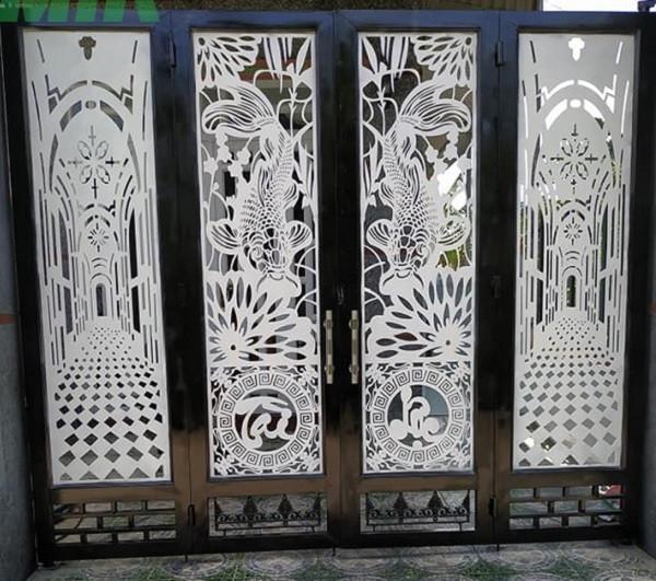 Cổng kết hợp với nghệ thuật tranh vẽ ấn tượng