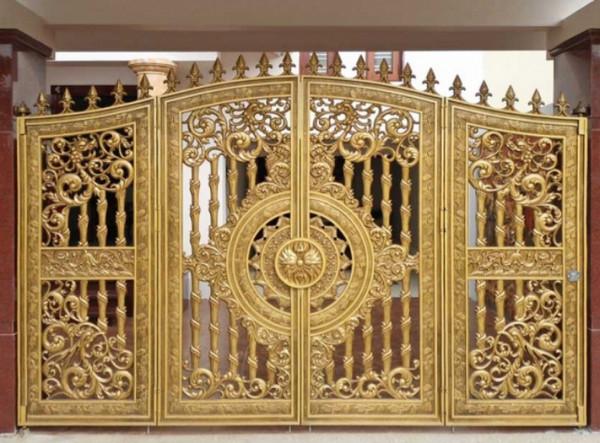 Cổng lấp lánh ánh vàng sang trọng