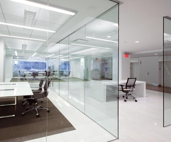 Vách kính văn phòng phòng học cho học viên