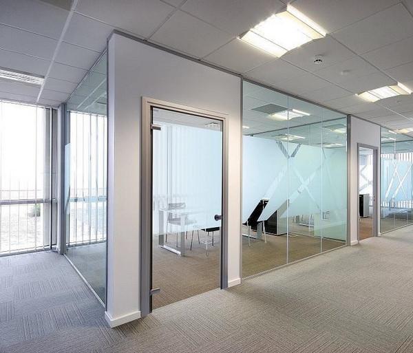 Vách kính văn phòng cho phòng nhân sự cấp cao