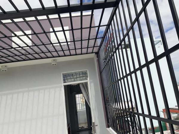 Mẫu thiết kế khung bảo vệ sân thượng