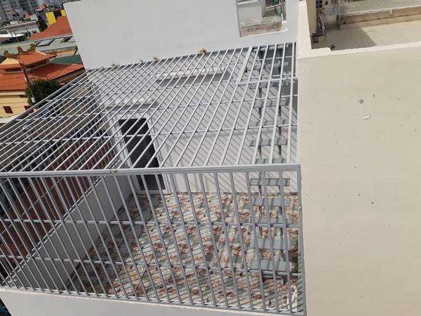Mẫu thiết kế và thi công khung bảo vệ sân thượng