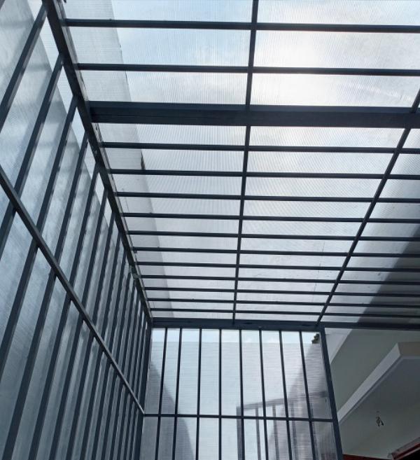 Khung bảo vệ sân thượng cho chung cư