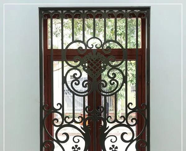 Mẫu bông bảo vệ cửa sổ bằng sắt đẹp 10