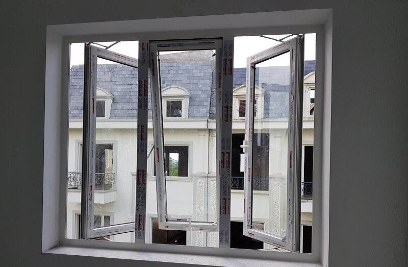 Thiết kế cánh cửa sổ mở quay kết hợp với cửa sổ hất