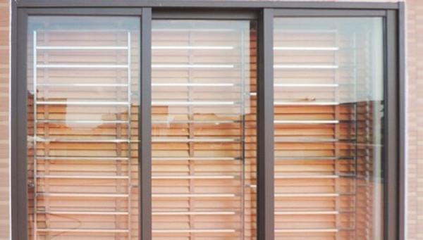 Khung bảo vệ cửa sổ bằng nhôm Xingfa đẹp