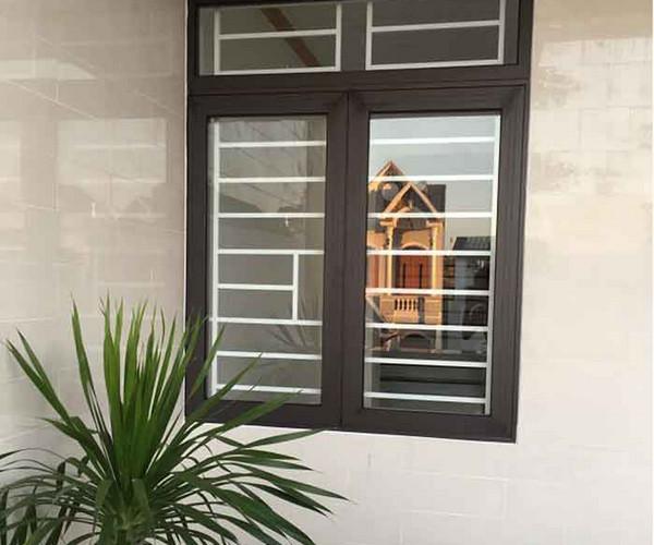 Khung cửa sổ bảo vệ bằng nhôm Xingfa đơn giản