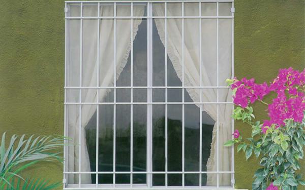 Mẫu khung cửa sổ phong cách lãng mạn