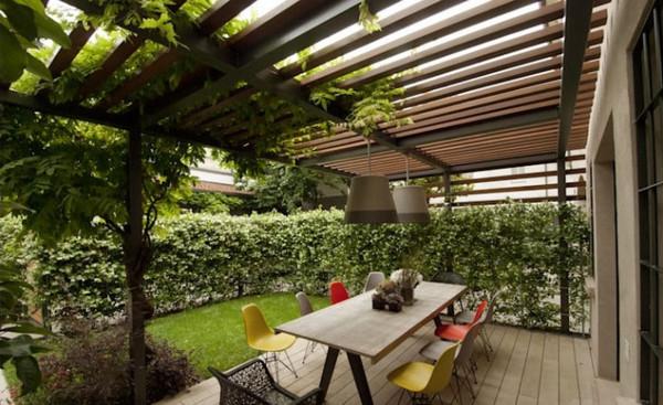 Mái hiên nhà phố đẹp cho sân vườn thơ mộng