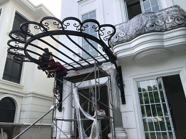 Mái hiên sắt mỹ thuật cao cấp cho cửa sổ
