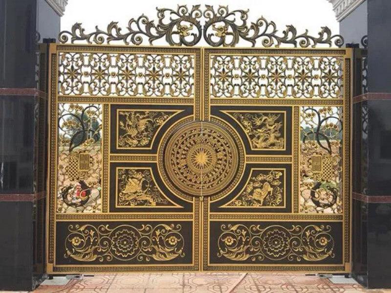 Hoa văn trống đồng trên cổng nhôm đúc