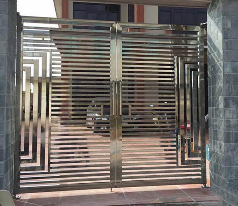 Chất liệu inox trong làm cổng nhà đẹp