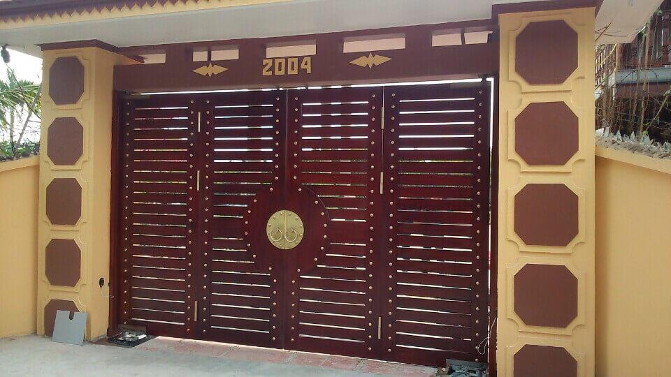 Mẫu cổng gỗ 4 cánh màu đẹp