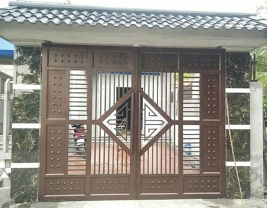 Cửa nhà gỗ 4 cánh đẹp hiện đại