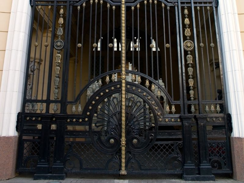 Mẫu cổng nhà hàng cổ điển