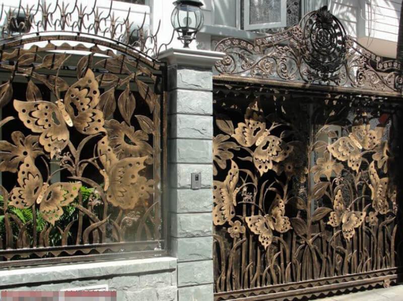 Mẫu cổng nhà tân cổ điển hoa văn cầu kỳ