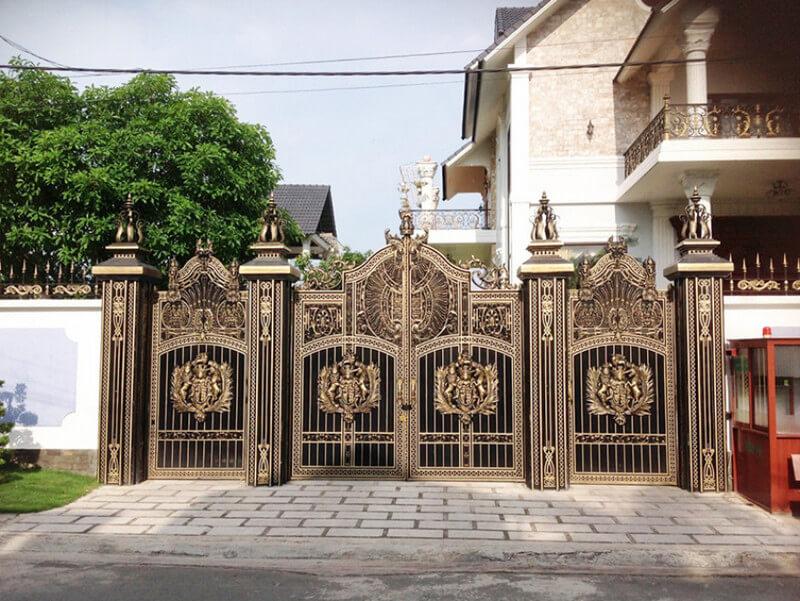 Mẫu cổng tân cổ điển cho villa