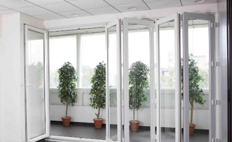 Cửa nhôm Xingfa 6 cánh màu trắng cho văn phòng