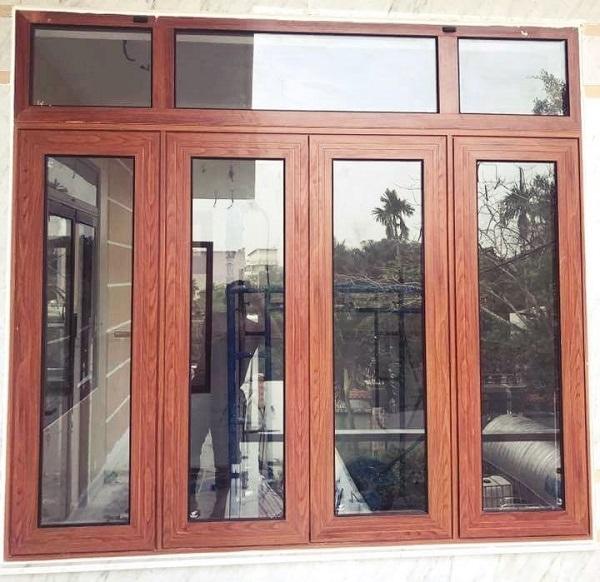 Mẫu cửa sổ nhôm kính giả gỗ sang trọng, hiện đại