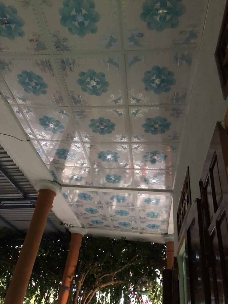 Hình ảnh đóng la phông trước nhà tại xã Tịnh Hoà 2