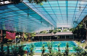 Mái nhựa Polycarbonate hồ bơi