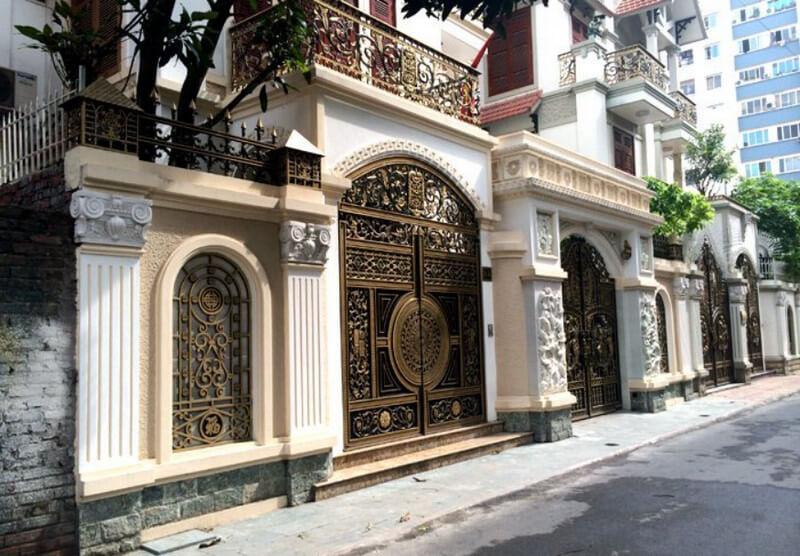 Cổng nhà đẹp phong cách cổ điển