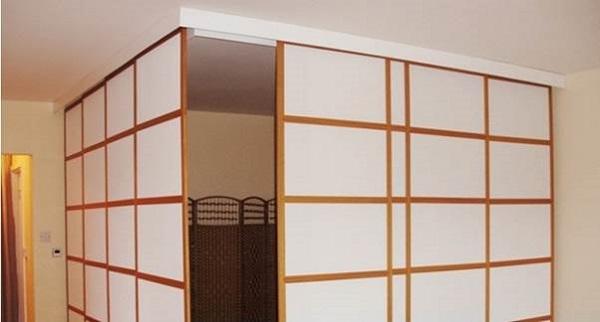 Vách ngăn nhôm giả gỗ phong cách Nhật đơn giản, sang trọng