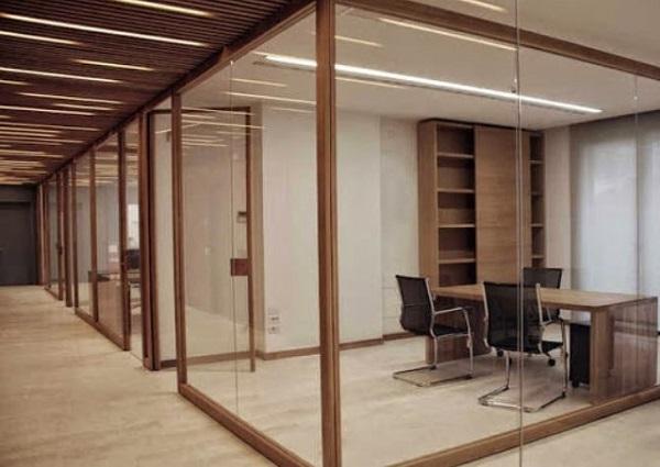 Vách ngăn nhôm kính giả gỗ văn phòng thoáng mát, cao cấp