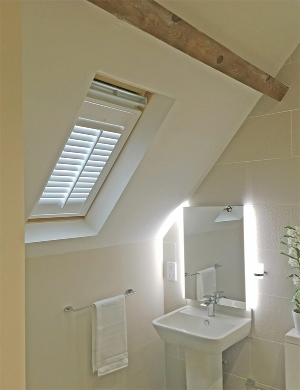 Mẫu cửa sổ chớp lật thông gió cho toilet