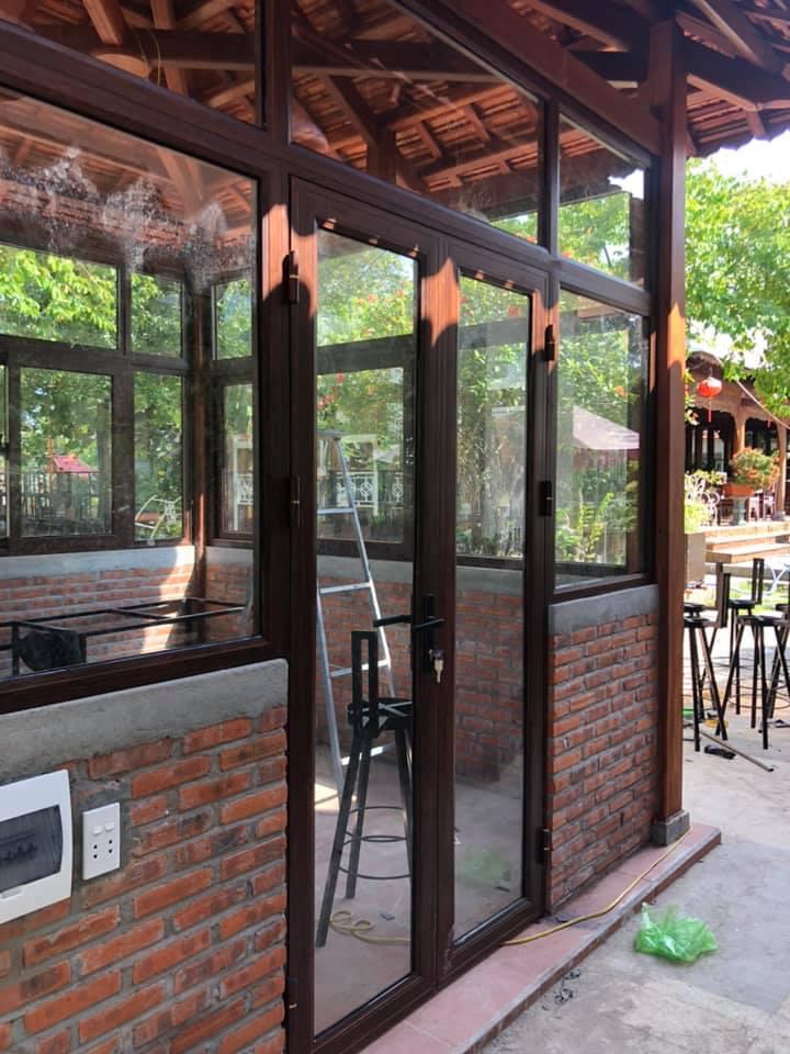 Mẫu cửa nhôm konig giả gỗ tại Thành phố Quảng Ngãi - Hình 5
