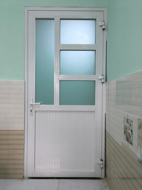Mẫu cửa nhôm xingfa kính mờ an toàn, riêng tư